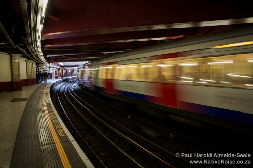 The Metropolitan Line Speeds Through Baker Street Underground St